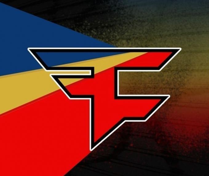 Кто победит: FAZE Apparel или FaZe Clan?
