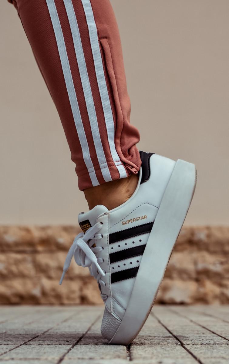 Три полоски Adidas