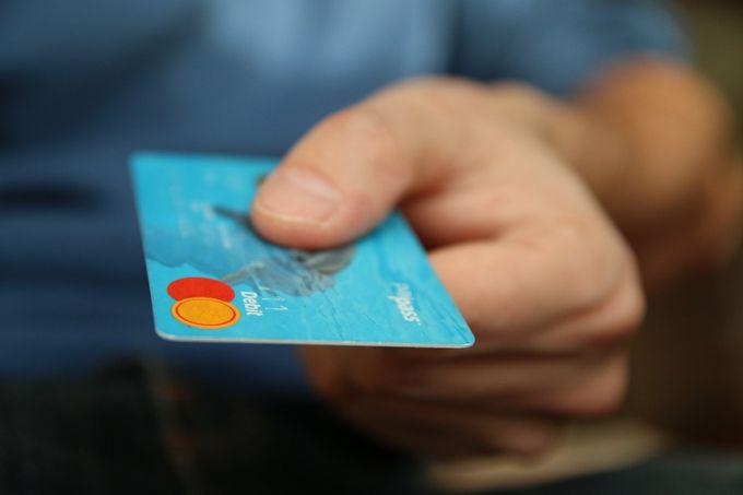Суд стал на сторону НТВ в споре с микрокредитной компанией