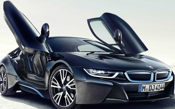 Компанией BMW зарегистрирован бренд 8-Series